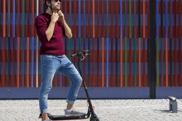 E-Scooter Versicherung: Test, Bewertungen, Erfahrungen, Kosten, Vergleich und Tarife für die Versicherung in 2022.